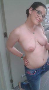 sexy in jeans und oben ohne