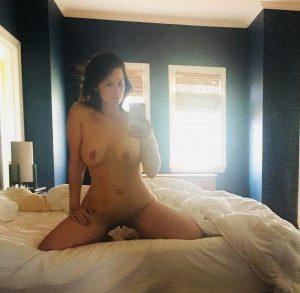 Nackt Selfie Frau Auf Ihrem Bett